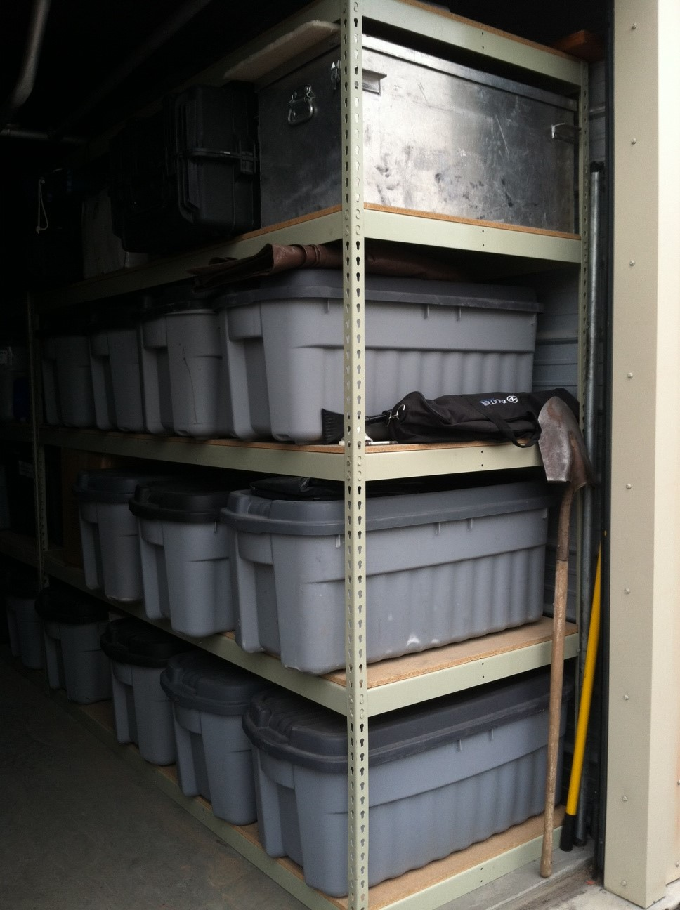 Organizing Your Storage Unit With Boltless Shelving